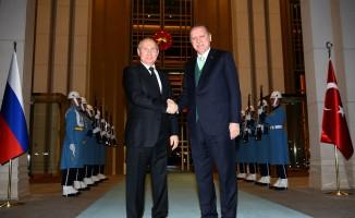 Cumhurbaşkanı Erdoğan, Rusya Devlet Başkanı Putin'i Külliyede karşıladı