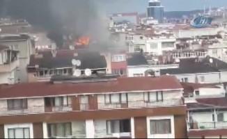 Evin çatısından yükselen alev paniğe yol açtı