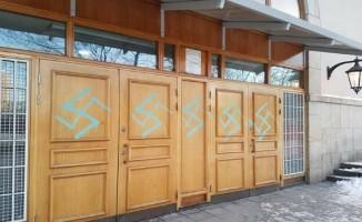 İsveç'te Cami'ye çirkin saldırı