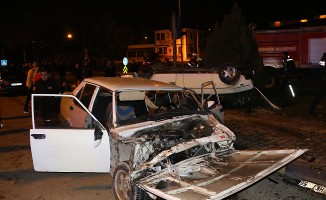 Kavşakta feci kaza! 7 yaralı