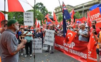 Avustralyalı Türklerden Zeytin Dalı Harekatı'na destek gösterisi