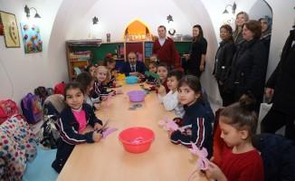 Başkan Aktaş, çocuklarla oyun oynadı