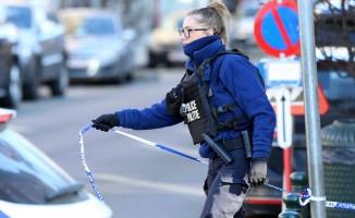 Brüksel'de silahlı kişiler polisi alarma geçirdi!