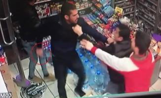 Market sahibine bıçaklı saldırı kamerada