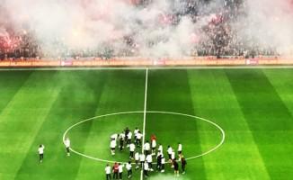 Galatasaray taraftarı stadyuma akın etti!