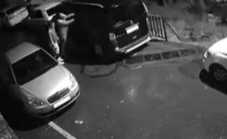 Hırsızlar minibüsü 5 dakikada böyle soydular