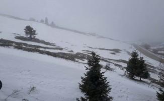 Uludağ'a kar sürprizi!