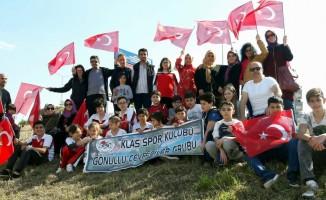 Genç sporcular Mudanya'da fidan dikti