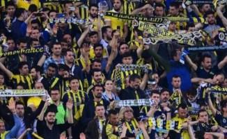 Kadıköy'de tepki çeken Şenol Güneş tezahüratı!