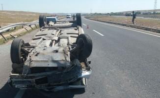 Otomobil devrildi! 2 yaralı