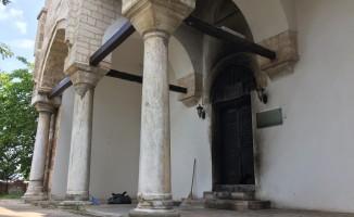 Bursa'da tarihi skandal! Türbeyi yaktılar
