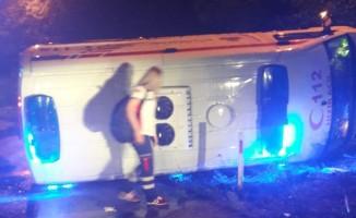 Hasta taşıyan ambulans kaza yaptı! 6 yaralı