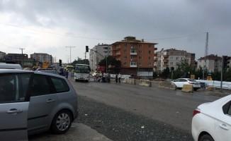 Kocaeli'de otomobilin çarptığı kadın ağır yaralandı