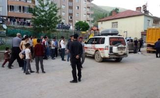 Şemdinli'de kamyonetin altında kalan 4 yaşındaki çocuk öldü