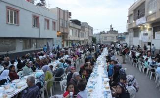 Kilis Belediyesi ve Malezyalı dernekten iftar yemeği
