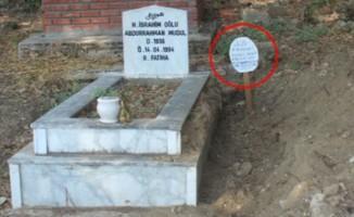 Mezarlıkta kan donduran yazı!