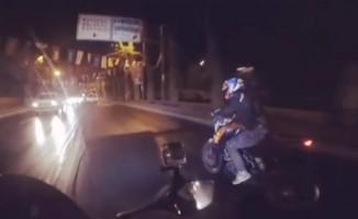 Motosikletli şov uğruna ölümden döndü!