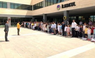 TED Şanlıurfa Koleji'nin öğrencileri karnelerini aldı