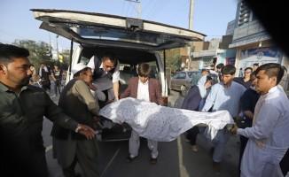 Afganistan'da bir okula düzenlenen bombalı saldırıda ölü sayısı 48'e yükseldi