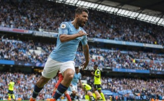 Agüero coştu, Manchester City farklı kazandı