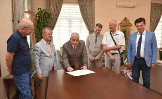 Akhisar OSB'den 112 Acil Sağlık İstasyonu ve ambulans desteği
