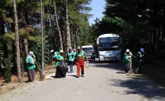 Aksaray'da bayram öncesi mezarlıklarda temizlik çalışması başlatıldı