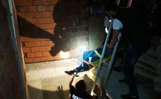 Apartman boşluğuna düşen şahıs yaralandı
