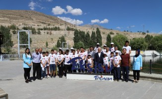 Başarılı öğrenciler için Erzincan gezisi düzenlendi