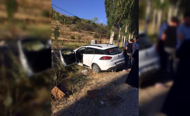 Bayram tatiline giden aile kaza yaptı: 6 yaralı