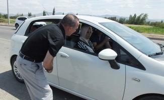 Burhaniye'de Kaymakam Öner trafik denetimine katıldı sürücüleri uyardı