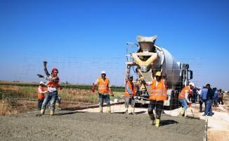 Büyükşehir'de beton yol uygulaması sürüyor