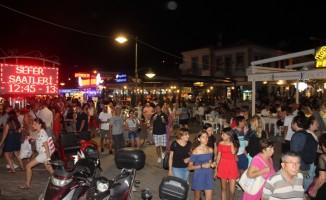 Cunda Adası'nda bayram tatili yoğunluğu