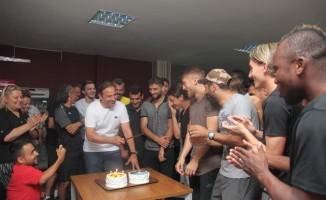 Fuat Çapa'ya doğum günü sürprizi