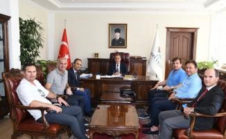 Futbolun efsane isimlerinden Vali Kalkancı'ya ziyaret