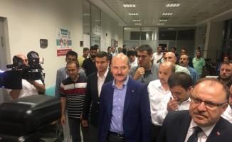İçişleri Bakanı Soylu hastanede yaralıları ziyaret etti
