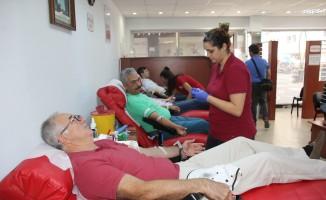 İMO'dan Kızılay'a kan bağışı