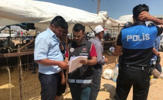 Karaman'da kurban pazarında broşürlü sahte para uyarısı