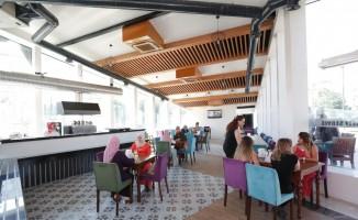 Küçükçekmece'de kadınlara özel kafe