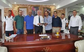 Kudüs Evlatlarıspor Kulübü Başkanı ve oyuncuları Kütahya'da