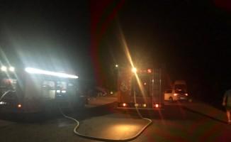 Kuşadası'nda yangın, Dumandan zehirlenen 2 kişi hastaneye kaldırıldı