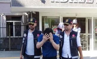 Midesinde uyuşturucu taşıyan Rus uyruklu kadın ve 1 kişi tutuklandı