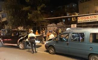 Samsun'da dolmuş kamyonete çarptı: 4 yaralı
