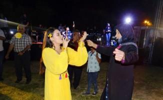 Sanatçı Ümmü Erbil, Hisarcık'ta seyircilerle bütünleşti
