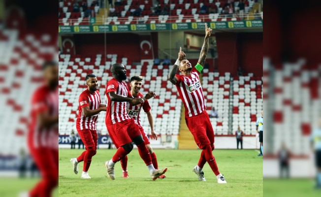 Spor Toto Süper Lig: Antalyaspor: 1 - Atiker Konyaspor: 2 (İlk yarı)