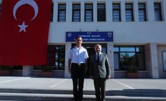 Vali Çakacak, görev yeri değişen Albay Ağaoğlu'nu ziyaret etti
