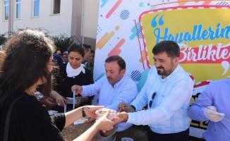 AK Parti Giresun İl Başkanlığından öğrencilere aşure ikramı