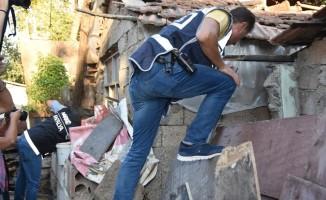 Antalya'da hava destekli eş zamanlı uyuşturucu operasyonu