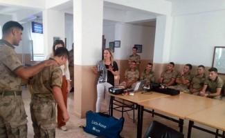 Askerlere ilk yardım eğitimi