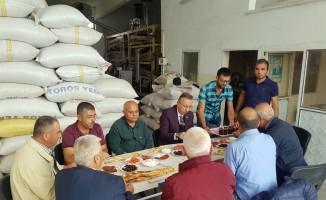 Belediye Başkanı Seçen, zahire pazarı esnafı ile  buluştu