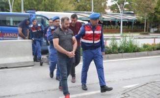 Bolu'da sahte belgelerle dolandırıcılık yapan çete adliyeye sevk edildi